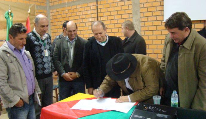 Municipios  Inauguram Central Regional de Distribuição de Alimentos
