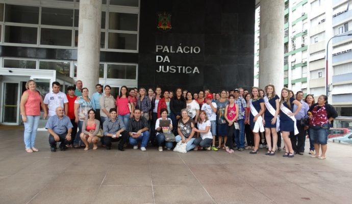 Comitiva municipal da Rede Escola de Governo viaja a Porto Alegre
