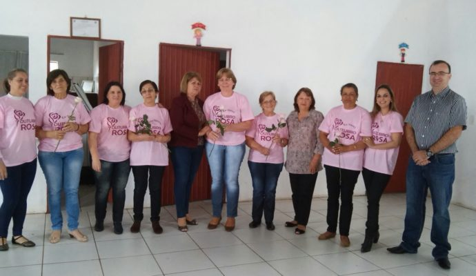 A Secretaria Municipal de Saúde promoveu palestra sobre o Outubro Rosa