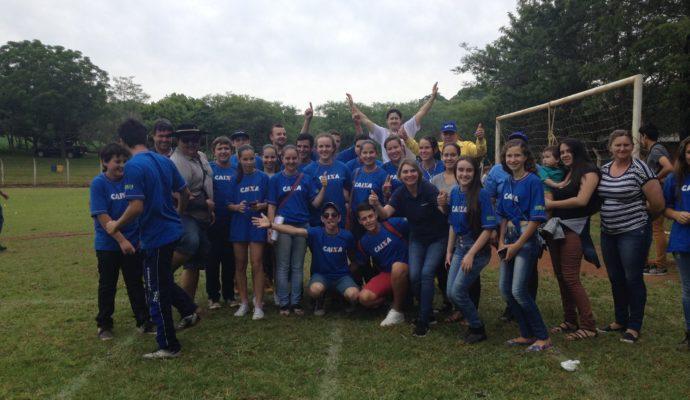 """Jovens de São José das Missões participam de """"Jogos Rurais da Juventude""""."""