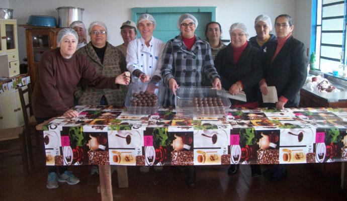 Retrospectiva das oficinas realizadas pelo Cras em parceria com a Emater/Ascar, com os grupos de mulheres de São José das Missões.