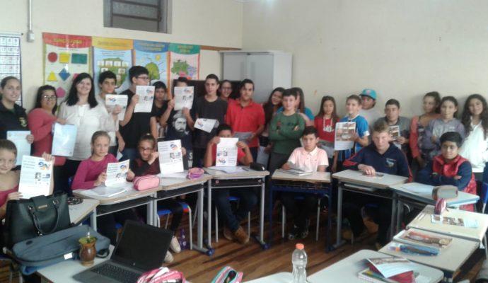Ações de Educação Fiscal e Nota Fiscal Gaúcha são promovidas na Escola Castro Alves.