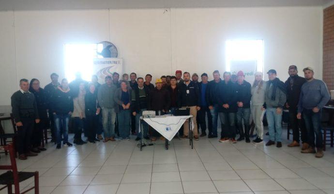 Encontro Técnico em Apicultura reúne apicultores em São José das Missões/RS.