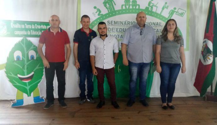 Servidores públicos municipais participam de Seminário de Educação Fiscal e Nota Fiscal Gaúcha em Novo Barreiro/RS.