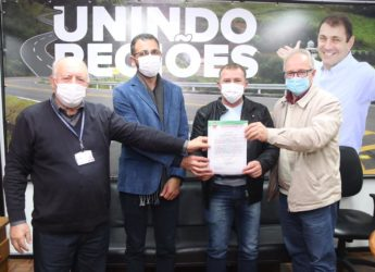 Prefeito e Secretário da Administração viajam a Porto Alegre em busca de recursos.