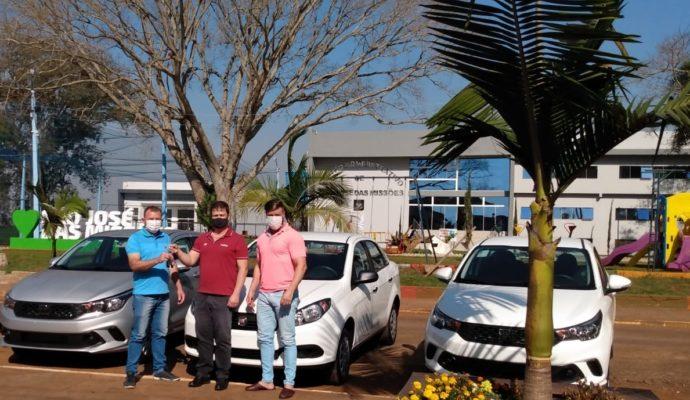 Município adquire 03 veículos novos, zero km, para as Secretarias Municipais.