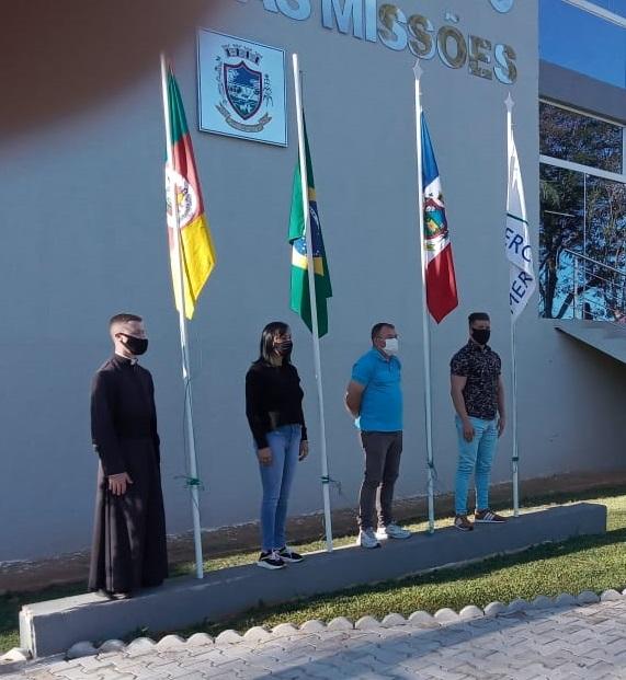 Município realiza abertura da Semana da Pátria na Praça Municipal.