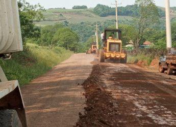 Realizadas melhorias nas estradas rurais na Linha Vila Araújo e no Acesso à BR 386.